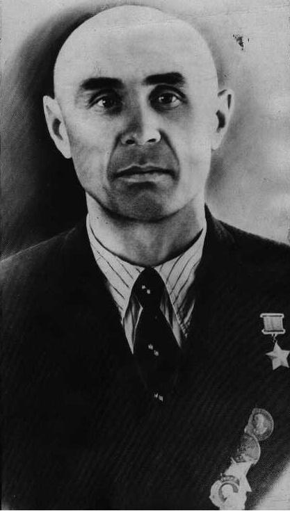 Хасан Назирович Гайсин родился 8 мая 1908 г